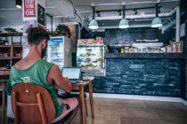 Việc sử dụng internet tại nhà hàng, quán cà phê, ... cực kỳ quan trọng vì nó mang lại trải nghiệm và đánh giá tích cực từ phía khách hàng. Nguồn ảnh từ internet