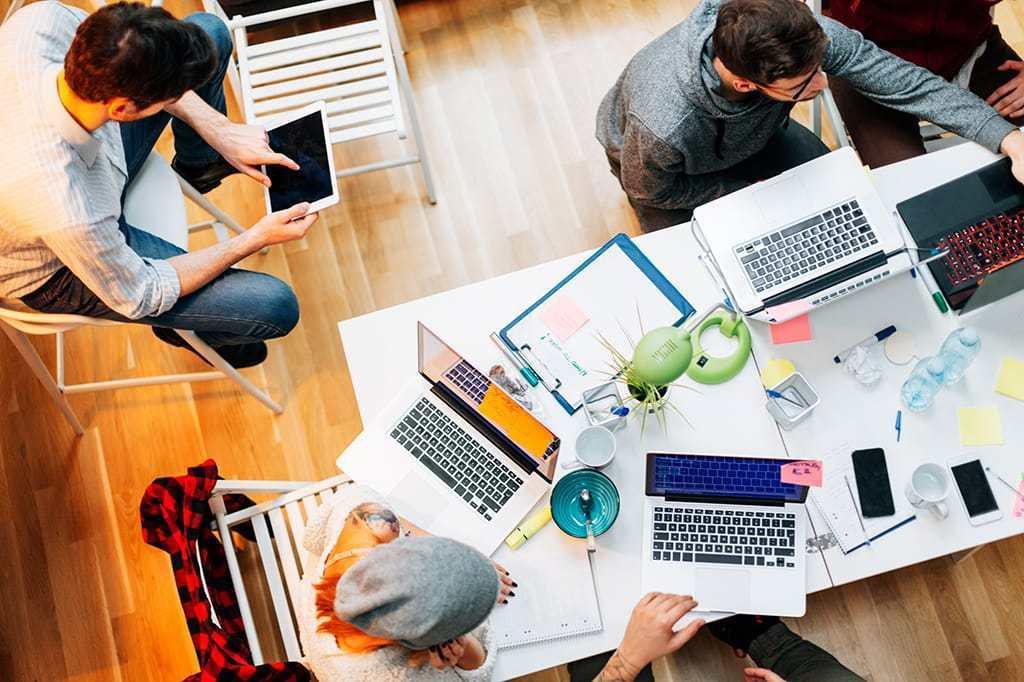 WiFi trong doanh nghiệp sẽ thúc đẩy sự hứng khởi cho nhân viên, giúp cho công việc diễn ra một cách trôi chảy và chính xác. Nguồn ảnh từ Bussiness insider